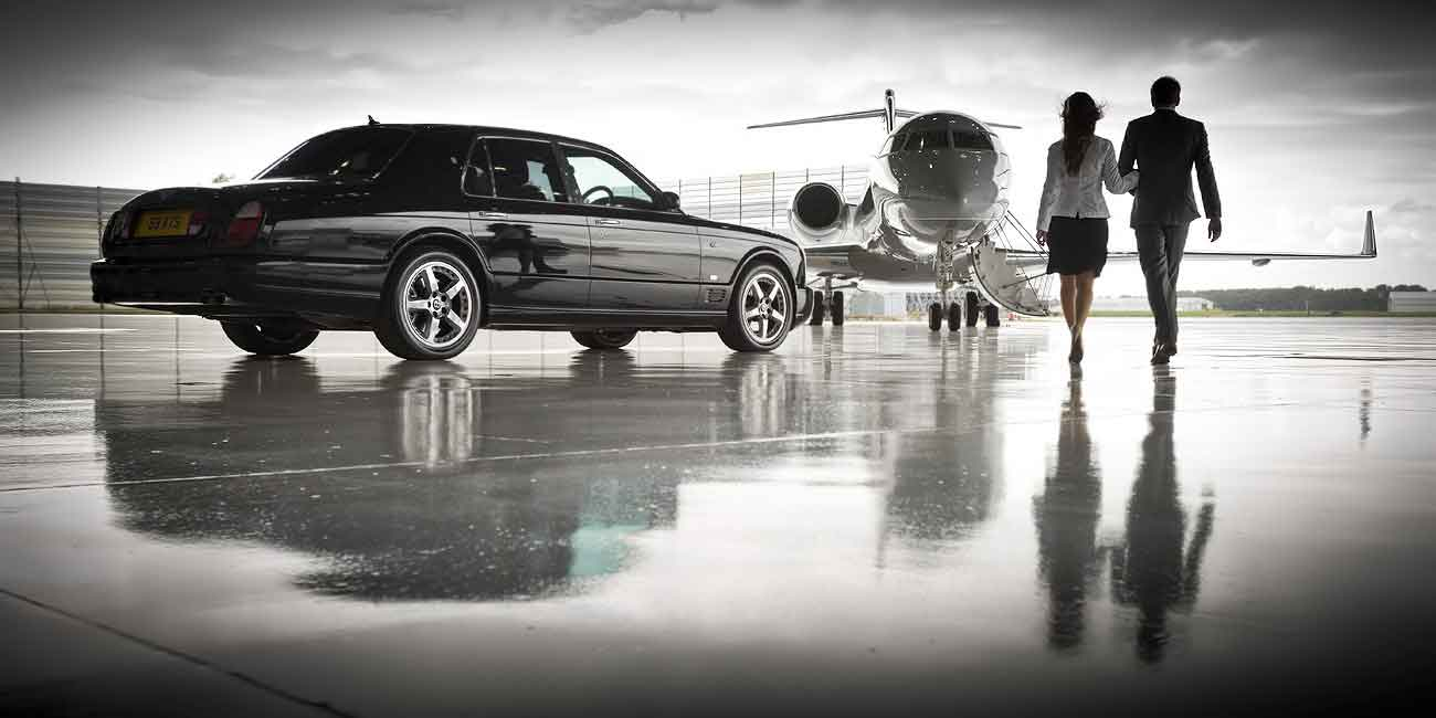 <h1>Private Hire Taxi Service</h1>  <h3>Make an Impression with Silverstar Chauffeurs!</h3>